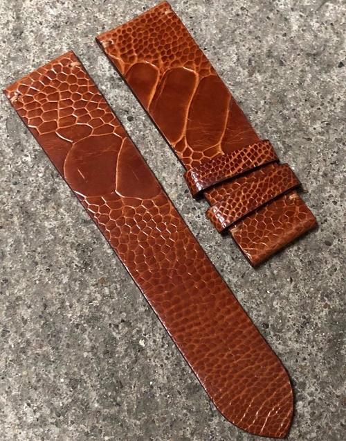 Dây đồng hồ thiết kế từ da chân đà điểu