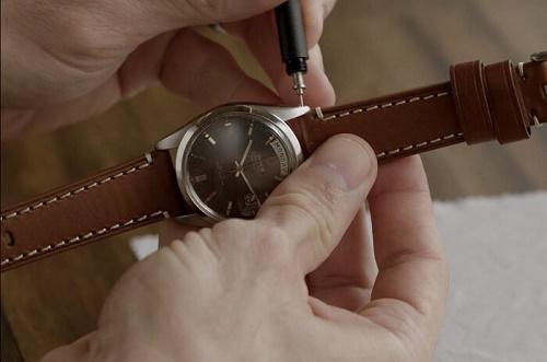 các bước thay dây đồng hồ