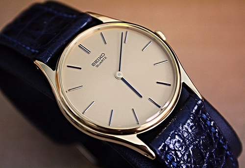 đồng hồ seiko quartz
